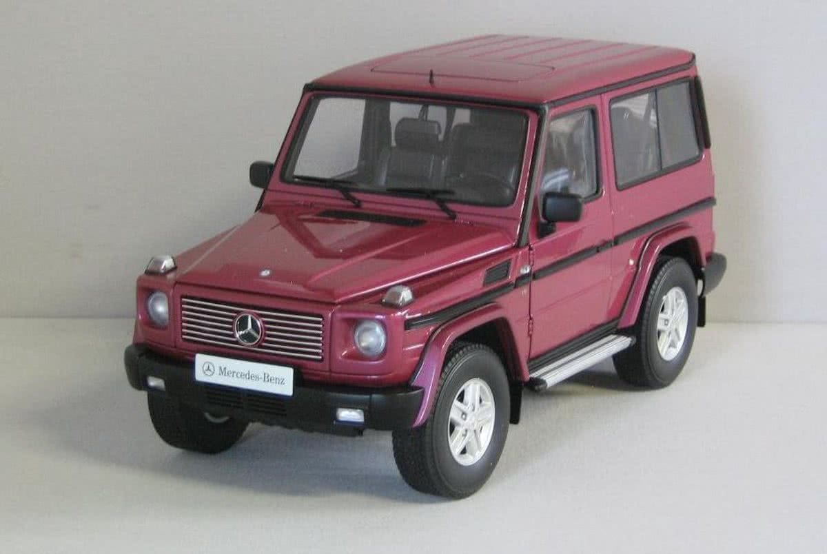Mercedes-Benz G 500 SWB 1998 1:18 AUTOart 76113 Rood-Paars