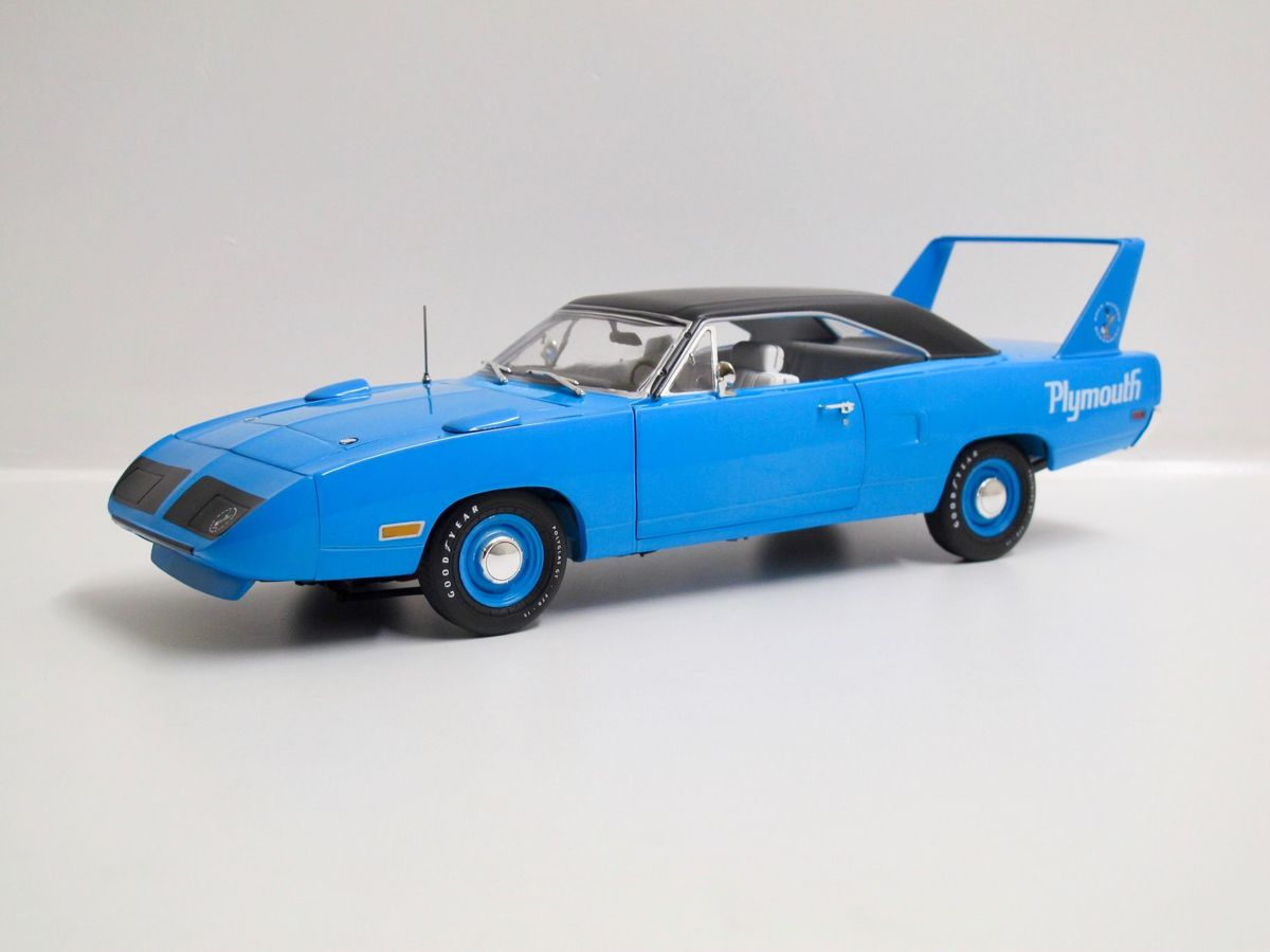 Auto World 1/18 Plymouth Superbird hardtop - 1970, Petty Blue *Limited Edition 1/1002*