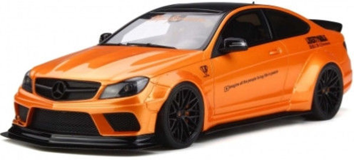 GT Spirit Mercedes-Benz C63 W204 Coupé LB Works Oranje 1/18