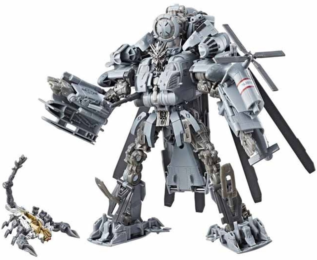 Transformers Generations Studio Series Leader Blackout