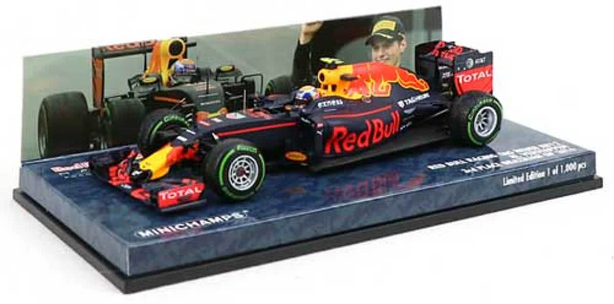 Minichamps 1:43 Red Bull RB12 - Max Verstappen - 3e plaats GP Brazilie 2016