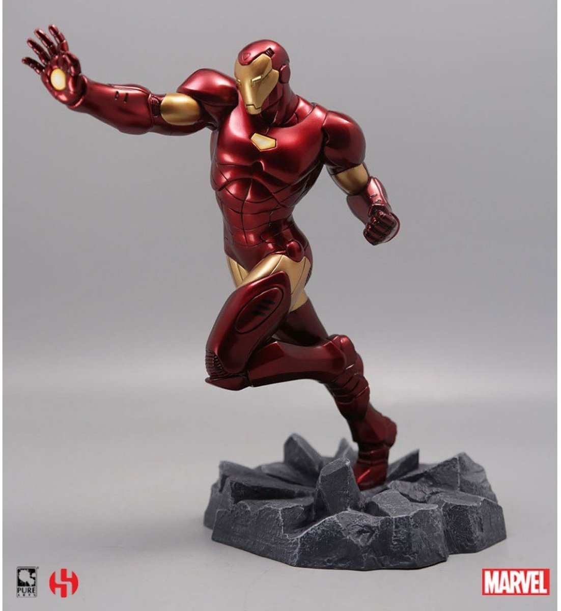 Marvel Iron Man Civil War Statue