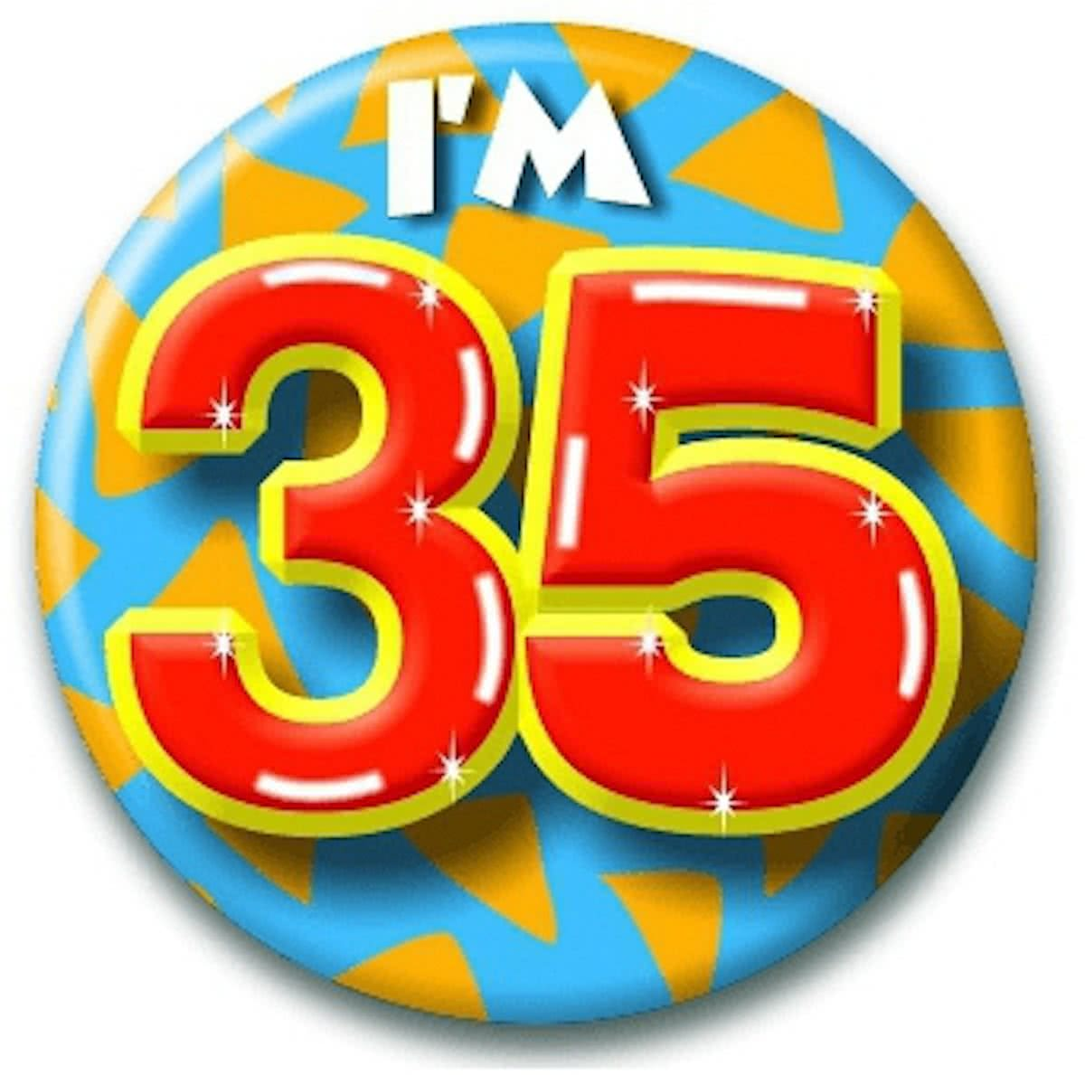 Verjaardags button I am 35