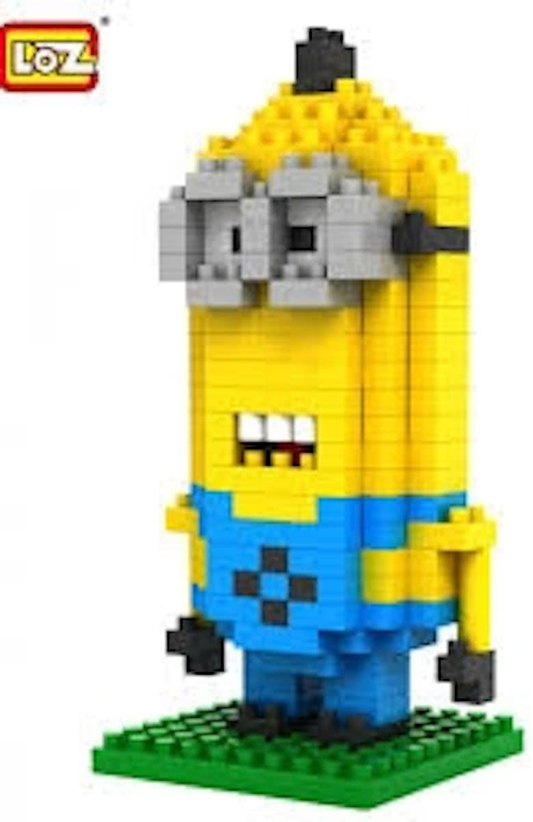 Mini-minion Dave, LOZ, diamond blocks,
